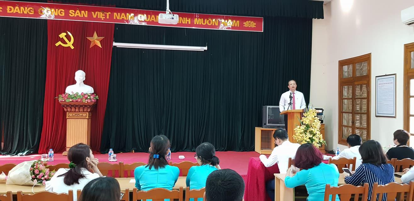 Đ/c Lê Gia Phong, Bí thư Đảng ủy – Cục trưởng Cục Thống kê phát biểu tại Lễ chào cờ